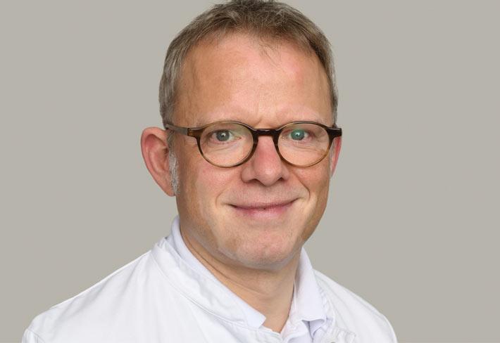 Dr. Achim Foer